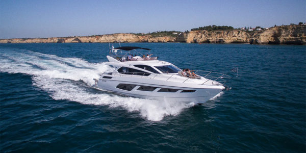 Yacht charter Luma